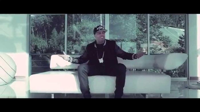 Nicky Jam ft. De La Ghetto – Si Tu No Estas ) (Full HD)