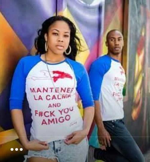 """Haitianos con camiseta con insultos a RD """"MANTENER LA CALMA AND F#CK YOU AMIGO""""."""