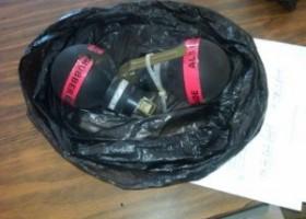 Agentes de la Policía Nacional apresaron un menor de 14 años acusado de detonar una bomba casera en una escuela en La Romana