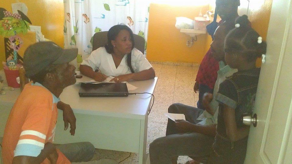 Privatizan para los haitianos una policlínica de Salud Pública en la frontera